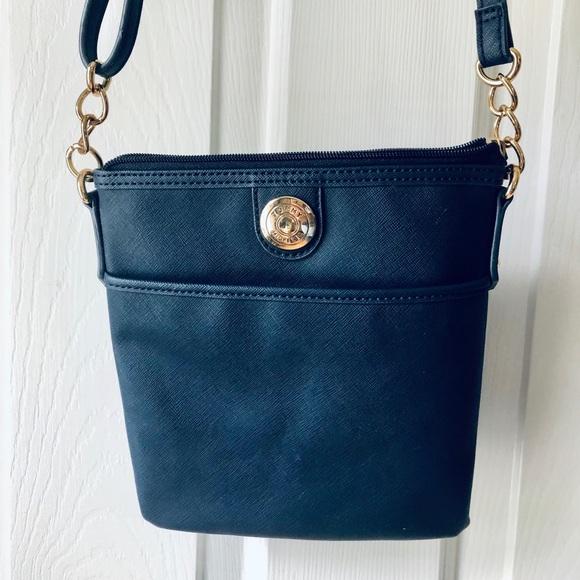 8722e2884 Tommy Hilfiger Bags | Navy Crossbody Bag | Poshmark